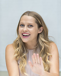 Teresa Palmer  bei der Pressekonferenz zu Hacksaw Ridge im Four Seasons Hotel in Beverly Hills / 221016<br /> <br /> ***USA EMBARGO TILL NOVEMBER 19TH, 2016! Press conference for Hacksaw Ridge at the Four Seasons Hotel in Beverly Hills, October 22nd, 2016***