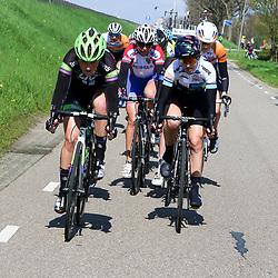16-04-2016: Wielrennen: IJsseldelta Topcompetitie vrouwen: Zwolle<br />ZWOLLE (NED) wielrennen <br />Wind was in deze editie de grootste tegenstanders van de vrouwen. Floortje Mackay, Alexis Ryan