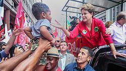 A presidente do Brasil e candidato presidencial pelo Partido dos Trabalhadores, Dilma Rousseff, durante um comício em Porto Alegre, Rio Grande do Sul, Brasil, em 25 de outubro de 2014. FOTO: Jefferson Bernardes/ Agência Preview