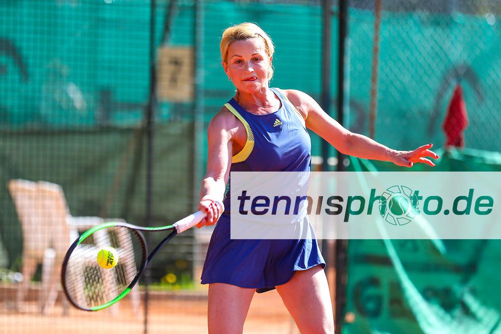 Anna Konrad (TC Gelb-Weiß Falkensee) - Siegerin Damen 50, Känguruhs-Open 2018, Finaltag, Berlin, 22.04.2018, Foto: Claudio Gärtner