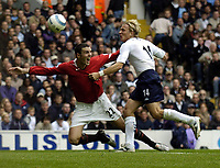 Fotball<br /> Premier League England 2004/2005<br /> Foto: BPI/Digitalsport<br /> NORWAY ONLY<br /> <br /> 25.09.2004<br /> <br /> Tottenham v Manchester United<br /> <br /> John O'Shea appeals for the penalty against Eirik Edman which Ruud Van Nistlerooy scored from