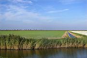 Nederland, Noordpolderzijl, 14-10-2018In het noordelijk kustgebied van Gronongen bevindt zich uitspanning het Zielhoes . Hier bevindt zich het kleinste open zeehaventje van Nederland. Een oud sluisje is in de dijk gebouwd en geeft toegang tot het binnenland . Veel dagjesmensen komen hier genieten van het wijdse uitzicht . Noordpolderzijl is onderdeel van de gemeente Eemsmond .Foto: Flip Franssen