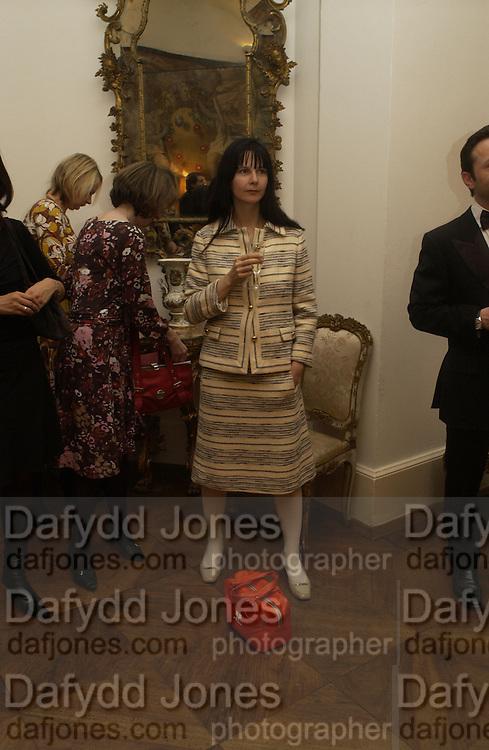 Gillian Wearing, Dinner at the Italian Embassy in which the winner of the MaxMara Art Prize for Women is announced. Grosvenor Sq. London . 2 February  2006. © Copyright Photograph by Dafydd Jones 66 Stockwell Park Rd. London SW9 0DA Tel 020 7733 0108 www.dafjones.com