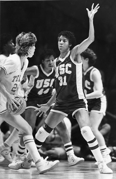 ©1986 University of Texas at Austin women's basketball, Andrea Lloyd of Texas, l, vs. Cheryl Miller of USC (31).