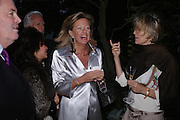 Pilar Boxford, Princess Chantal of Hanover and Mrs. Arnaud Bamberger. Cartier dinner after thecharity preview of the Chelsea Flower show. Chelsea Physic Garden. 23 May 2005. ONE TIME USE ONLY - DO NOT ARCHIVE  © Copyright Photograph by Dafydd Jones 66 Stockwell Park Rd. London SW9 0DA Tel 020 7733 0108 www.dafjones.com