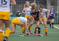 AMSTELVEEN -  Marloes Keetels (DenBosch) met Maria Verschoor (Adam) tijdens de halve finale wedstrijd dames EURO HOCKEY LEAGUE (EHL),  Amsterdam-HC Den Bosch. (1-1) Den Bosch wint shoot outs en plaats zich voor de finale.  COPYRIGHT  KOEN SUYK