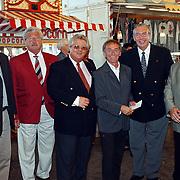 Premiere circus Louis Knie Den Haag, o.a. Hans Boskamp, Tony Tetro, Karel de Rooy, Jacobus Toet