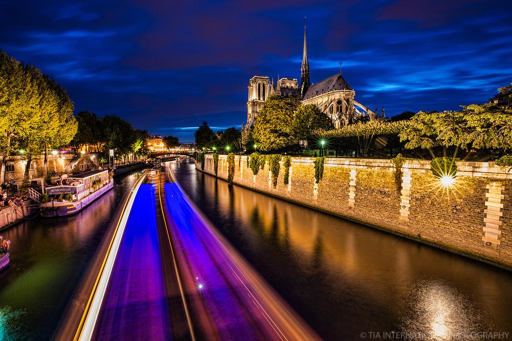 La Seine & La Cathédrale de Notre Dame