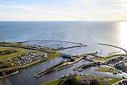 Nederland, Friesland, Stavoren, 28-02-2016; Starum of Staveren, haven en jachthaven. Voormalige Hanzestad, een van de Friese elf steden. J.L. Hooglandgemaal.<br /> Small Frisian harbour town at IJsselmeer. <br /> <br /> luchtfoto (toeslag op standard tarieven);<br /> aerial photo (additional fee required);<br /> copyright foto/photo Siebe Swart