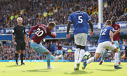 West Ham United's Andriy Yarmolenko (second left) scores his side's second goal of the game