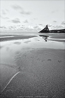 Some vanishing seagull tracks on a famous beach in Cornwall: the Bedruthan Steps.