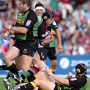 Northampton, Northamptonshire, 9th November 2004, Franklyn Gardens, Zurich Premiership Rugby Harlequins v Northampton Saints,  Bruce Reihana, breaking with the quick taken penalty, [Mandatory Credit: Pete Spurrier/Intersport Images],