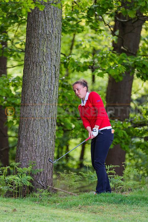 17-05-2015 NGF Competitie 2015, Hoofdklasse Heren - Dames Standaard - Finale, Golfsocieteit De Lage Vuursche, Den Dolder, Nederland. 17 mei. Dames Eindhovensche: Ileen Domela Nieuwenhuis tijdens de singles.