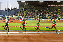 mens 5000 meters, leaders  Yomif Kejelcha, Ethiopia