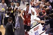 DESCRIZIONE : Milano Lega A 2014-15 <br /> EA7 Olimpia Milano - Acea Virtus Roma <br /> GIOCATORE : Alessandro Gentile <br /> CATEGORIA : esultanza post game mani <br /> SQUADRA : EA7 Olimpia Milano<br /> EVENTO : Campionato Lega A 2014-2015 <br /> GARA : EA7 Olimpia Milano - Acea Virtus Roma<br /> DATA : 12/04/2015<br /> SPORT : Pallacanestro <br /> AUTORE : Agenzia Ciamillo-Castoria/GiulioCiamillo<br /> Galleria : Lega Basket A 2014-2015  <br /> Fotonotizia : Milano Lega A 2014-15 EA7 Olimpia Milano - Acea Virtus Roma