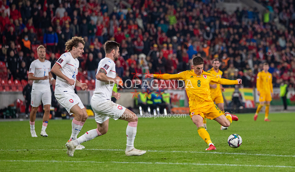 PRAGUE, CZECH REPUBLIC - Friday, October 8, 2021: Wales' Harry Wilson shoots during the FIFA World Cup Qatar 2022 Qualifying Group E match between Czech Republic and Wales at the Sinobo Stadium. The game ended in a 2-2 draw. (Pic by David Rawcliffe/Propaganda)