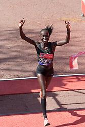 © Licensed to London News Pictures. 22/04/2018. London, UK. Vivian Cheruiyot wins the Women's 2018 London Marathon. Photo credit: Vickie Flores/LNP