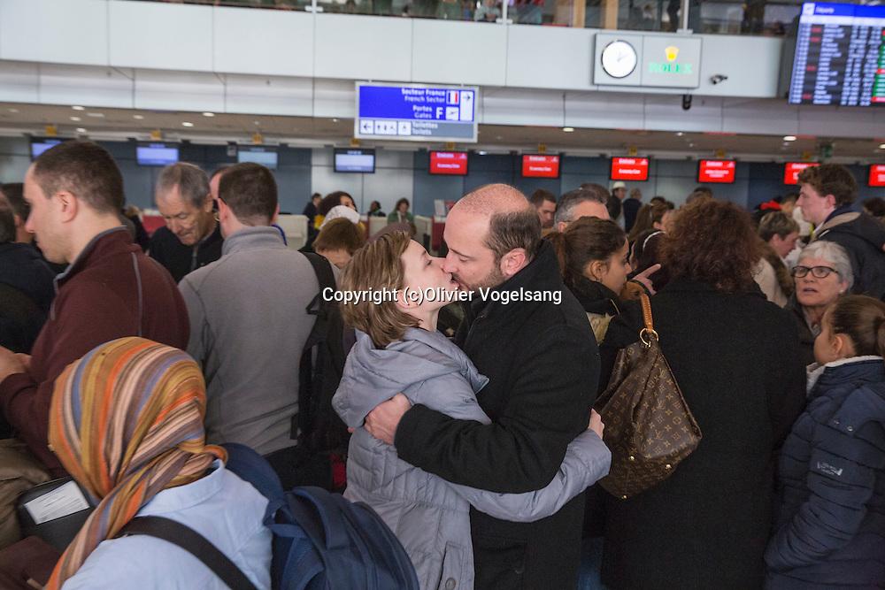Genève, 7 janvier 2017. L'aéroport international de Genève connait un de ces weekend de grosse affluence de début d'année avec les rentrées de vacances et les arrivées de nouveaux vacanciers. Baiser de l'aéroport. @ Olivier Vogelsang