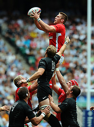 Photo © SPORTZPICS / SECONDS LEFT IMAGES 2011 - Rugby Union - Investic - World Cup warm up game - England V Wales - 06/08/11 - Wales' Dan Lydiate beats Tom Croft to this lineout ball in the second half - at Twickenham Stadium UK - All rights reserved