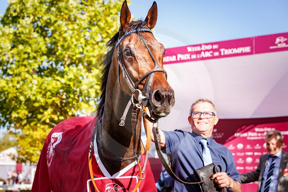 Garlingari (S. Pasquier) wins Qatar Prix Dollar Gr. 2 in Chantilly, France 30/09/2017 photo: Zuzanna Lupa