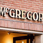 NLD/Laren/20160215 - McGregor winkel Laren NH,