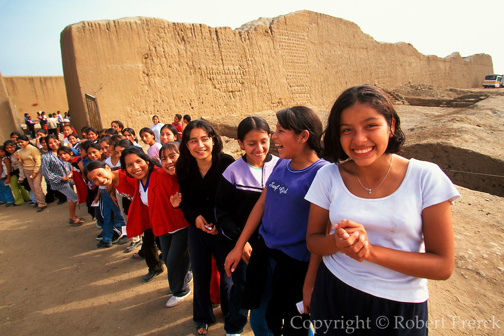 PERU, PREHISPANIC, CHIMU Chan Chan; students at Palacio Tschuldi