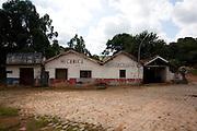 Carmo da Cachoeira_MG, Brasil...Oficina mecanica e borracharia em Carmo da Cachoeira...The repair shop in Carmo da Cachoeira...Foto: LEO DRUMOND / NITRO