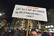 Nederland, Nijmegen, 8-1-2015In Nijmegen werd een herdenkings en protest bijeenkomst gehouden n.a.v. de moordpartij op het tijdschrift Charlie Hebdo in Parijs gisteren. een daad van moslimextremisten.Er waren enkele honderden mensen en burgemeester Bruls hield een korte toespraak waarna een minuut stilte in acht werd genomen.FOTO: FLIP FRANSSEN/ HOLLANDSE HOOGTE