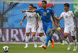 June 22, 2018 - Saint Petersburg, Russia - Roberto Firmino (C) of the Brazil national football team and Yeltsin Tejeda of the Costa Rica national football team vie for the ball during the 2018 FIFA World Cup match, first stage - Group E between Brazil and Costa Rica at Saint Petersburg Stadium on June 22, 2018 in St. Petersburg, Russia. (Credit Image: © Igor Russak/NurPhoto via ZUMA Press)