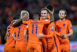 07-10-2016 NED: WK kwalificatie Nederland - Wit-Rusland, Rotterdam<br /> Het Nederlands elftal heeft in De Kuip een 4-1 overwinning op Wit-Rusland geboekt / Quincy Promes scoort de 2-0 en viert dit met Vincent Janssen en Davy Klaassen.