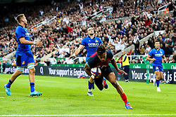 Anthony Watson of England scores a try - Mandatory by-line: Robbie Stephenson/JMP - 06/09/2019 - RUGBY - St James's Park - Newcastle, England - England v Italy - Quilter Internationals