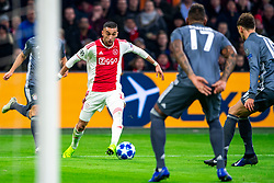 12-12-2018 NED: Champions League AFC Ajax - FC Bayern Munchen, Amsterdam<br /> Match day 6 Group E - Ajax - Bayern Munchen 3-3 / Joshua Kimmich #32 of Bayern Munich, Hakim Ziyech #22 of Ajax, Jerome Boateng #17 of Bayern Munich