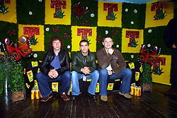 Stereophonics press call, T in the Park, Balado, Fife, 7/7/2001..©2010 Michael Schofield. All Rights Reserved.