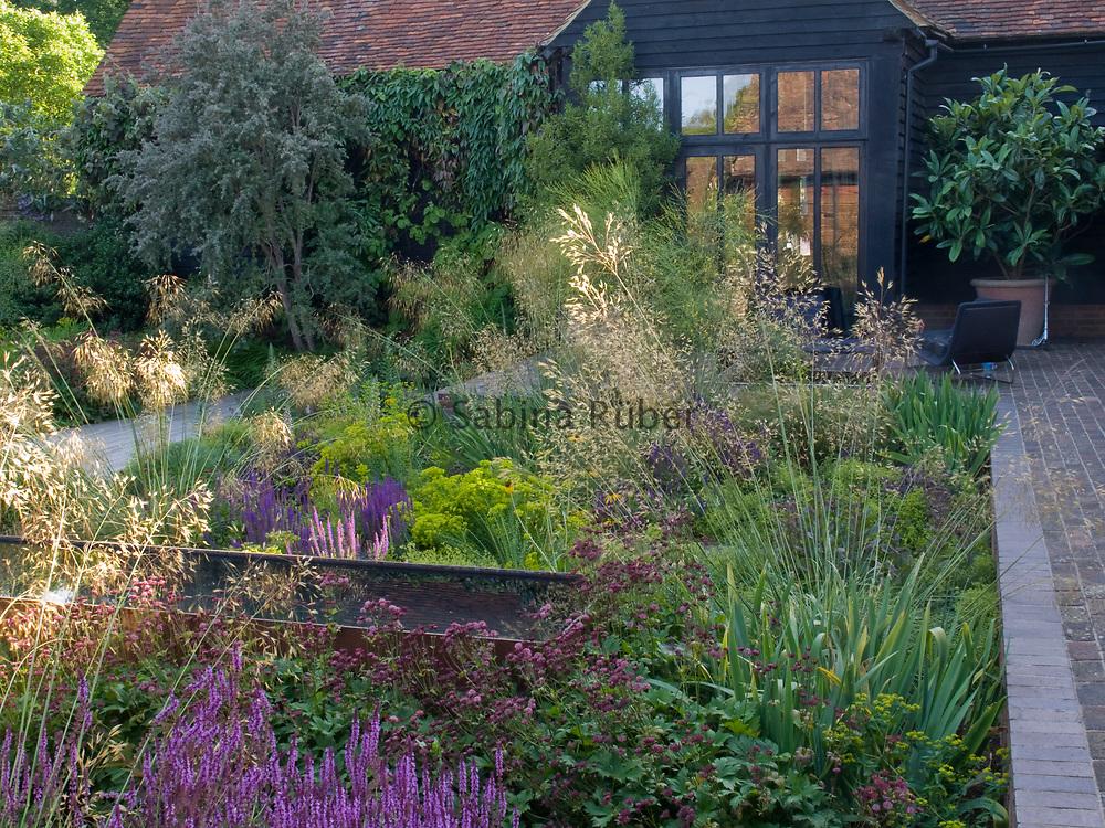Tom Stuart-Smith, Courtyard Garden, Hertfordshire, UK