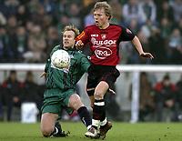 Fotball<br /> Belgia 2004/05<br /> Cercle Brugge v FC Brussel<br /> 12. desember 2004<br /> Foto: Digitalsport<br /> NORWAY ONLY<br /> BJØRN HELGE RIISE - JIMMY DE WULF