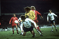 Fotball<br /> England<br /> Foto: Colorsport/Digitalsport<br /> NORWAY ONLY<br /> <br /> Jan Tomaszewski the polish Goalkeeper turns to watch the ball go clear, as Kevin Hector (England) hits the floor. <br /> <br /> England v Poland<br /> World Cup Qualifier<br /> Wembley 17/10/1973