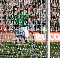 Photo: Paul Thomas.<br />Republic of Ireland v Wales. European Championships 2008 Qualifying. 24/03/2007.<br /><br />Stephen Ireland scores for Ireland.