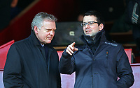 Fotball<br /> England<br /> Foto: Colorsport/Digitalsport<br /> NORWAY ONLY<br /> <br /> Football<br /> Npower Championship<br /> Barnsley vs Portsmouth<br /> at Oakwell Stadium<br /> Portsmouth's Administrator Trevor Birch with CEO David Lampitt<br /> 18/02/2012