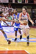 DESCRIZIONE : Campionato 2014/15 Serie A Beko Grissin Bon Reggio Emilia -  Dinamo Banco di Sardegna Sassar Finale Playoff Gara1<br /> GIOCATORE : Amedeo Della Valle<br /> CATEGORIA : Palleggio<br /> SQUADRA : Grissin Bon Reggio Emilia<br /> EVENTO : LegaBasket Serie A Beko 2014/2015<br /> GARA : Grissin Bon Reggio Emilia - Dinamo Banco di Sardegna Sassari Finale Playoff Gara1<br /> DATA : 14/06/2015<br /> SPORT : Pallacanestro <br /> AUTORE : Agenzia Ciamillo-Castoria/GiulioCiamillo