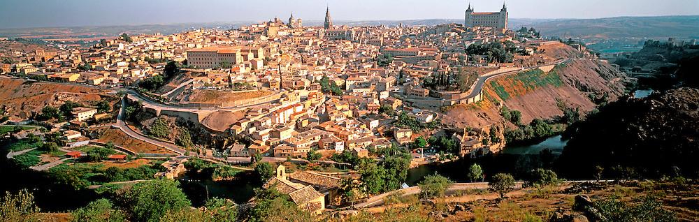 SPAIN, LA MANCHA, TOLEDO Cathedral  and amp; Alcazar above Rio Tajo