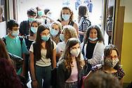 Riapertura Scuola, studenti del Liceo Classico Gioberti al primo giorno di scuola dopo la quarantena covid-19. Torino, Italia - settembre 2020