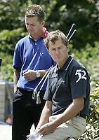 ARNHEM - Chris van der Velde met Niels Kraaij.    Voorjaarswedstrijden Golf heren op de Rosendaelsche Golfclub COPYRIGHT KOEN SUYK