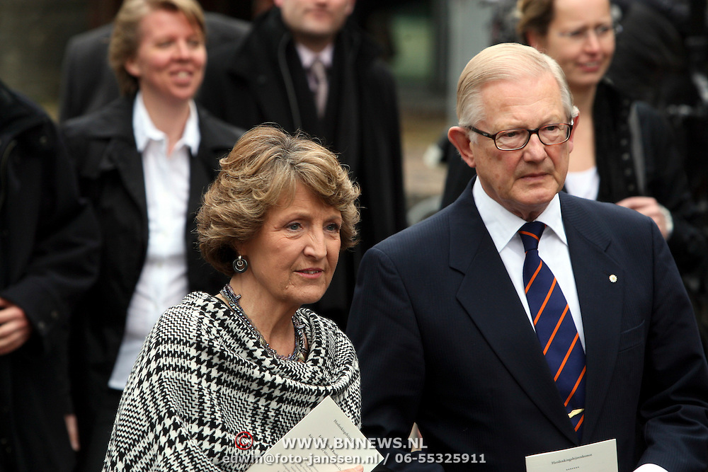 NLD/Wassenaar/20080403 - Herdenkingsdienst Erik Hazelhoff Roelfzema, prinses Margriet en Mr. Pieter van Vollenhoven