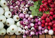 Organic vegeatbles at a farmer's market.