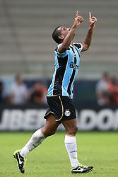 Fernando Martins comemora seu gol contra o Santa Fé, da Colômbia, em partida válida pela Copa Libertadores da América 2013. FOTO: Jefferson Bernardes/Preview.com
