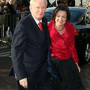 NLD/Amsterdam/20080201 - Verjaardagsfeest Koninging Beatrix en prinses Margriet, voorzitter 2de Kamer, Gerdi Verbeet en partner