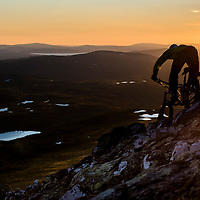Baard Stokke casts a 11pm silhouette at Are, Sweden.