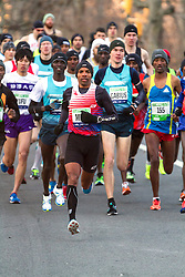 elite men take off from start in Central Park, Meb leads