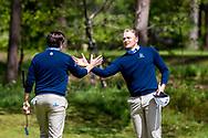 11-05-2019 Foto's NGF competitie hoofdklasse poule H1, gespeeld op Drentse Golfclub De Gelpenberg in Aalden. Foursomes:   De Hoge Kleij 1 - Bob Geurts krijgt felicitaties van speelpartner Pieter Bijnen