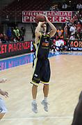 DESCRIZIONE : Piacenza Campionato Lega Basket A2 2011-12 Morpho Basket Piacenza Givova Scafati<br /> GIOCATORE : Mats Levin<br /> SQUADRA : Givova Scafati<br /> EVENTO : Campionato Lega Basket A2 2011-2012<br /> GARA : Morpho Basket Piacenza Givova Scafati<br /> DATA : 30/10/2011<br /> CATEGORIA : Palleggio<br /> SPORT : Pallacanestro <br /> AUTORE : Agenzia Ciamillo-Castoria/L.Lussoso<br /> Galleria : Lega Basket A2 2011-2012 <br /> Fotonotizia : Piacenza Campionato Lega Basket A2 2011-12 Morpho Basket Piacenza Givova Scafati<br /> Predefinita :